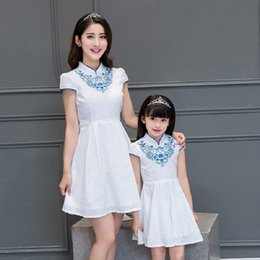 Barato Vestido Vintage 8t-Mother Daughter Dresses Party Family Matching Clothes Set Vintage Chinese Cheongsam Family Matching Outfits para Mama e Kids