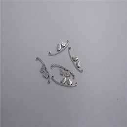 $enCountryForm.capitalKeyWord NZ - new Materials: zinc metal alloy 41*10mm,loop:1mm 8pcs Antique silver plated 2 hole little bird pendant connector T0102