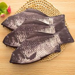 Creativo imitazione di pesce studente coreano matita scatola caso trucco sacchetto di pesce sacchetto di immagazzinaggio pesce borsa borsa 31 * 14 cm sacchetti di trucco custodia spedizione gratuita