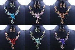 $enCountryForm.capitalKeyWord Canada - Bridal Jewelry Charm Classic Bride's Butterfly Flower Rhinestone Pendant Bib Statement Necklace Earrings Jewelry Set European Style Gift