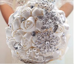 Marfil rosa Champagne Hecho a mano Elegante Decorativo Artificial Rhinestone Novia Dama de honor con Crystal Wedding Bouquet Flower
