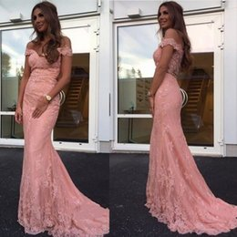 Barato Abendkleid Prom-Pink Lace Arabic Prom Vestidos Mermaid 2018 V Neck Cap Sleeve Vestido formal Evening Eveningant Vestidos Berta Bridal Reception Vestidos Abendkleid