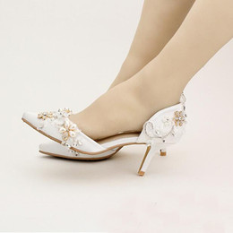 2016 New Beautiful White Satin Wedding Shoes Pointed Toe Fashion Women Summer Flower Bridal Comfortable Middle Heels Affordable