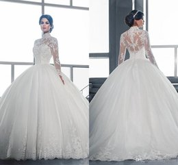 Vestidos Noiva Ball Gown Canada - 2016 Gorgeous High Colloar Long Sleeves Ball Gown Wedding Dresses Lace Appliques Puffy Tulle Skirt Bridal Gowns Sexy Back Vestidos De Noiva