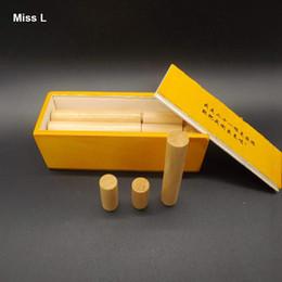 Venta al por mayor de 21pcs palo inspirado en caja de juguetes de regalo de madera, juego de ensamblaje de inteligencia para adultos Kongming Lock regalo Kid Child enseñanza prop juguete