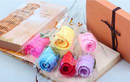 Ingrosso Asciugamani creativi di stile del tovagliolo del cotone di stile della rosa sveglia 20pcs per il regalo di favore di compleanno della festa nuziale Souvenir Souvenir