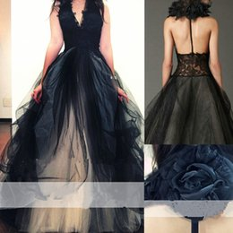 Barato Halter Top Vestidos De Casamento Backless-Vintage 2017 Black Lace Halter Top Vestidos de casamento em Tulle Cheap Backless Champagne Made Made Flower Bridal Gowns Custom Made EN10284
