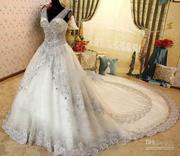 Chinese  2019 New V Neck Zuhair Murad Wedding Dresses With Sheer Strap Lace SWAROVSKI Crystals Bridal Gowns Cathedral Train Buy One Get One Petticoat manufacturers