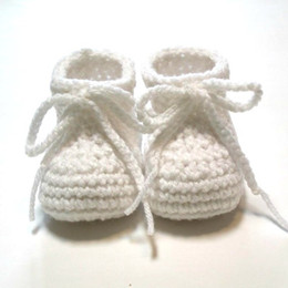 Yarn Crochet Unisex Baby Booties Australia - White baby booties. Crochet baby booties for Baptims or Christening. Made to order. 0-3 month unisex baby booties.0-24M cotton yarn