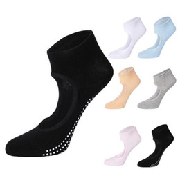 anti slip socks wholesale UK - Women anti slip yoga socks boat shape feet hollowed fitness, sports breathable combed cotton high elastic socks