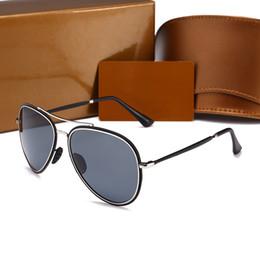 Chinese  2018 new hot Italy luxury brand gold Sunglasses pilot Women occhiali da sole donna Reflectivedp Mirror Sunglasses aviator men with box manufacturers