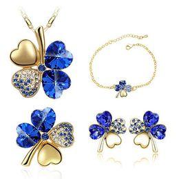 41081d9d4ff2 Austria Cristal Clover Collar Pendientes Pulseras Conjuntos de broche Moda  Forma de hoja Joyería Joyería barata Conjuntos para mujeres 9554