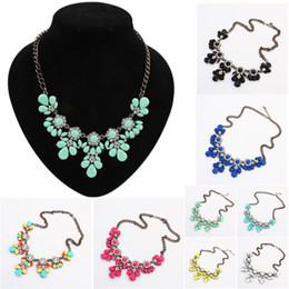 small pendants NZ - Manufacturers selling small fresh candy color short necklace pendant and big clavicle