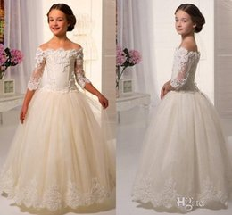 Discount lace corset back wedding dresses - 2017 Elegant Off Shoulders Flower Girl Dresses Sheer Half Sleeves Lace Appliques Ball Gown Little Girls Pageant Dresses