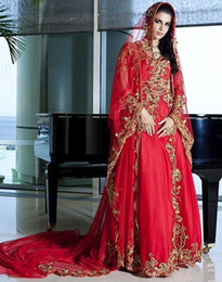 Barato Vestido De Chiffon Vermelho Ouro-Charming Dubai Red Muslim Dress Gold Applliuqes Vestidos de noite Long Sleeve Crystals Applique Prom Dress Andar Comprimento Formal Party Dress