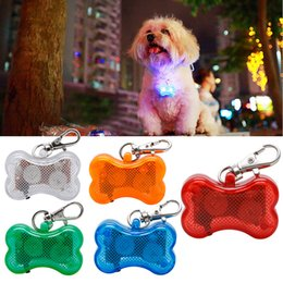 Wholesale Direct Selling Dog Collar New Fascinating Pet Dog for Cat Puppy Led Flashing Collar Safe Night Light Pendant Supplies LZ0495