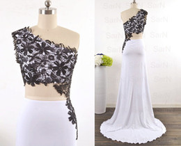 $enCountryForm.capitalKeyWord Canada - White Black Lace Evening Dresses With Silt Hot One Shoulder Lace Mermaid Evening Gown Long Formal Party Dresses With Silt Jersey Prom Gown