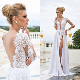 Barato Vestido De Praia Branco Sem Costas-2015 Sexy Beach Wedding Dresses Sheer Lace Appliqued mangas compridas bainha V Neck Backless Split Chiffon Vestidos Bridal Vestido Branco