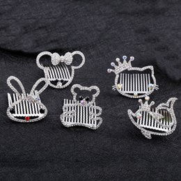 Barato Pentes De Cabelo De Niquelar De Strass-Moda Bridal Wedding Hair Combs Crystal Dolphin Kitty Mickey Bear Crown Rhinestones Mulheres Meninas Hair Clip Pep Hairpins Crianças