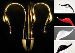Venta al por mayor de Nueva lámpara de pared Swan 3/5 cabezas Apliques de pared LED modernos Luces para salón Accesorios de iluminación de moda