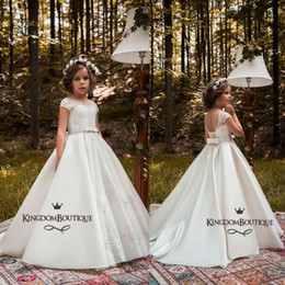 Images D'anniversaire Fleurs Pas Cher-Pure White Flower Girl robes pour les mariages royaux 2018 une ligne paillettes Satin Long enfants formelle robes anniversaire Pageant Dress Custom Made
