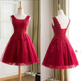 $enCountryForm.capitalKeyWord Canada - Cheap High Quality Short Prom Dress Sleeveless Vintage Lace Appliqued Party Dresses with Sash Lace-up Back Homecoming Dress