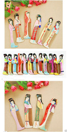 $enCountryForm.capitalKeyWord Canada - Wholesale Cheap 10PCS Mix Colors Chinese Oriental Peach Wood Hand Painted Beauty Print Combs