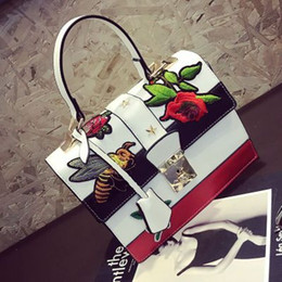 Chinese  Luxury handbags women bags designer flower bee Embroidery bag famous brands padlock party gift bag sling crossbody shoulder bags manufacturers