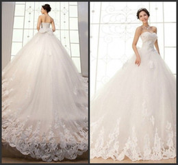 Superbe Robe De Mariée De La Cathédrale Sweetheart Pas Cher-Gorgeous Sweetheart sans manches Robes de mariée Robe de mariée Applique en dentelle Tulle Robes de mariée avec train cathédrale Lace-up Retour Big Wedding Wear