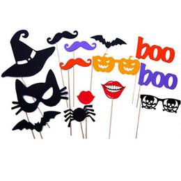 Accessoires Photo En Carton Pas Cher-14 PCS / Set Funny Halloween Party Cardboard Masque Photo Booth Props Creative Bearded Lips Pumpkin Hat Animal sur un Stick DIY Halloween Cadeaux