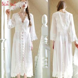 626b29a41e424 Großhandels- Reizvolle weiße lange Nachthemd-französische  Spitze-Weinlese-Prinzessin Dress Medieval Nightgown Frech Robe Schöne  Vestidos Nightwear