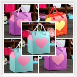 Barato Bolsas Para Partidas Favoritas-20pcs / lot Heart Print Handbag Wedding Candy Box Party Favor Gift Gift Candy Bag Artigos para festas Decorações de casamento