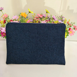 denim makeup bag 2021 - 100%cotton navy denim thick and durable makeup bag with true red lining navy-gold zip denim zip pouch