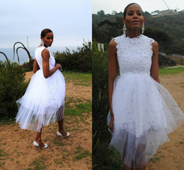 Short Ball Gowns Wedding Dresses NZ - Vintage Short Ball Gowns Wedding Dresses 2020 Sleeveless Jewel Neck White Lace Tulle Knee Length Custom Made Bridal Gowns Zipper Back Cheap