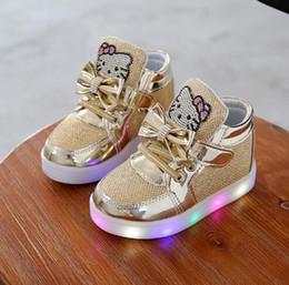 Acheter Kt Chats 2016 Nouvelle Marque Enfant Lumineux Sneakers Strass  Enfants Led Flashing Boot Filles Casual Chaussures Avec Des Lumières Taille  21 ~ 30 De ... 39e15ffdef0a