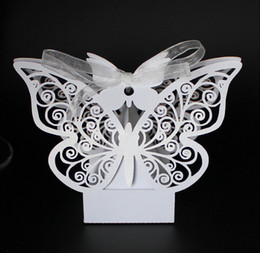 $enCountryForm.capitalKeyWord NZ - 100 Pcs New European style white Hollow out butterfly Laser cutting Wedding box DIY Candy Box gift box wedding favour boxs THZ130