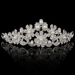 Barato Coroas De Pérola À Venda-Hot Sale Shining Crystals Pearls Wedding Crowns 2016 Tiara Crown Headband Acessórios de cabelo Party Wedding Tiara Cheap