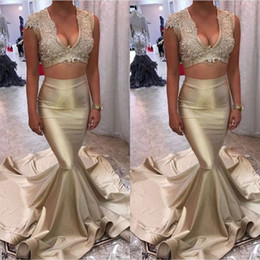 Barato Ouro Longo Vestido China-New 2017 Champagne Gold Mermaid Evening Dresses Sexy V Neck Lace Top Cetim Longo Dois Pieces Prom Gowns Custom Made China EN11024