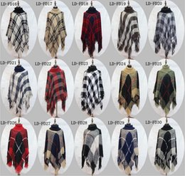 Barato Casacos De Malha Xale-Plaid Poncho Grid Sweater Wraps Mulheres Capa Coats Vintage Shawl Cardigan Tassel Knit Scarves Tartan Winter Cape Cobertores 100 Pcs YYA764
