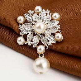 $enCountryForm.capitalKeyWord Canada - Fashion Rhinestone Brooches For Women Pearl Brooches As Gift Flower Shape Brooches for wedding Dresses Accessories