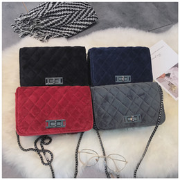 $enCountryForm.capitalKeyWord Canada - 2017 NEW Fashion autumn and winter ladies velvet Lingge chain shoulder Messenger bag small bag chic bag free ship