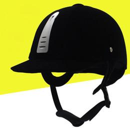 Großhandel Kunststoff Reithelm Ritter Cap Einstellbare Reitpferd Helm Hut Super Atmungs Mode Luxus Schutz Reit Reiten Haube