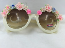 White Pink Mix Rose Flower Canada - Free shipping new summer white frame pink and blue rose flower clay flower UV400 plastic sunglasses