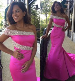 Barato Vestidos Novia Um Ombro-Hot Pink One Shoulder Prom Dresses Beaded Mermaid Evening Gowns Voltar Zipper Peplum Sweep Train Custom Made Vestidos De Novia Beautiful