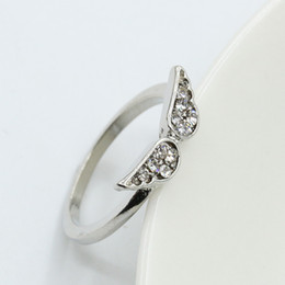 angel wing finger NZ - Crystal Angel Wing Rings Korean Style Lovely Girls Finger Ring Rhinestone Alloy Ring Women Party Jewelry
