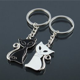 Valentine S Day Gift Keychains NZ - Cute Couple Cat Keychain For Lovers Fashion Enamel Jewelry Key Ring For Car Key Chain Valentine ' ;S Day Gifts K83 Zinc Alloy