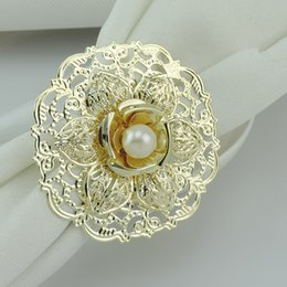 China Fashion Gold Metal Flower Styles Napkin Rings White Pearls Napkin Buckle For Wedding Reception Party Table Decorations Supplies cheap white pearl napkin ring suppliers