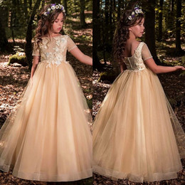 Barato Vestidos Curtos Elegantes Novos-Elegant Champagne Flower Girl Dresses 2018 New Sheer Short Sleeves Primeira Comunhão Aniversário Festa Vestidos Girls Pageant Dress For Weddings