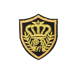 Wholesale 10 Gold Crown Badge Patches for Clothing Bags Iron on Transfer Applique Patch for Jacket Jeans Sew on Embroidery Badge DIY