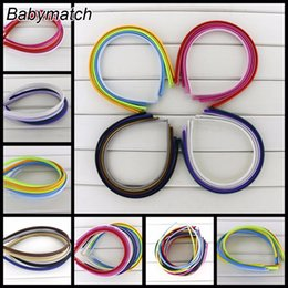 Barato Fita De Cetim Sólida-Babymatch 60pcs / Lot 7mm Kids Headbands Plain Solid Cor Satin Covered Resina Hairbands Ribbon Covered Adult Headband